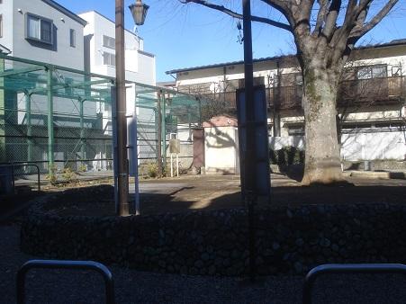 目白三丁目公園001.jpg