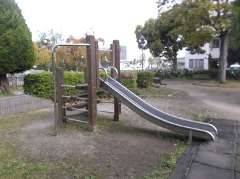七軒町児童公園004.jpg
