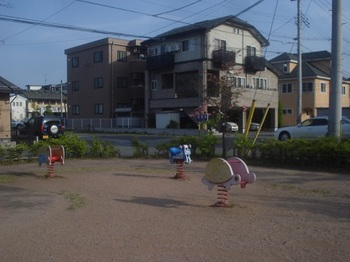 三の丸稲荷東口公園004.jpg