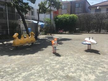 世田谷四丁目公園003.jpg