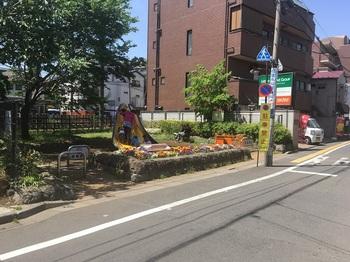 世田谷電車がみえる公園001.jpg