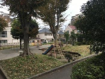 南烏山りんれい広場004.jpg