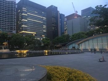 和田倉噴水公園001.jpg