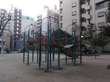 大手町第一公園004.jpg