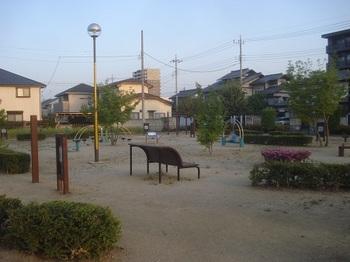 天河原中央公園008.jpg