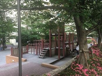 御成橋公園003.jpg