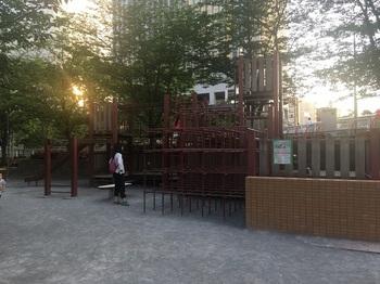 御成橋公園004.jpg