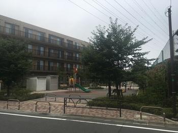 成城八丁目広場001.jpg
