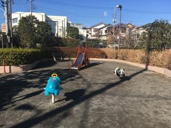 春日町ぐみのみ児童遊園002.jpg