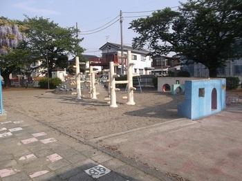 朝日町児童公園003.jpg