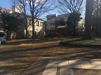 桜丘とうかんもり稲荷広場001.jpg