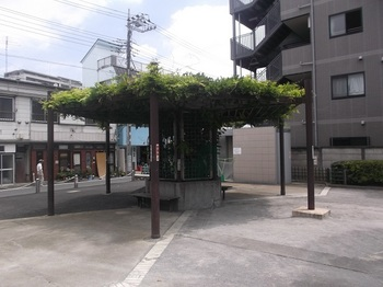 梅田五丁目児童遊園004.jpg