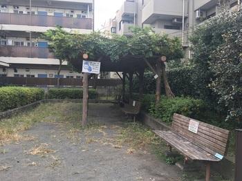 烏山中宿広場003.jpg