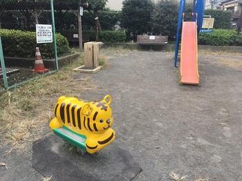 烏山中宿広場004.jpg