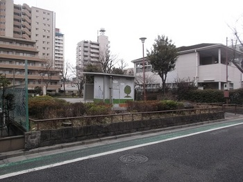 真畔公園001.jpg