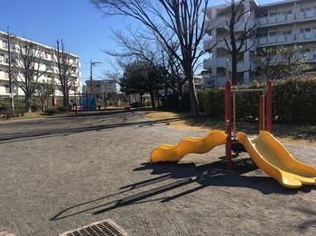 綾瀬二丁目ふれあい公園001.jpg