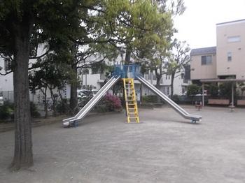鹿骨二丁目公園004.jpg