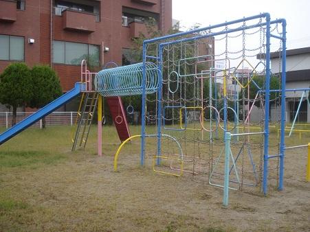 八幡町児童公園002.jpg