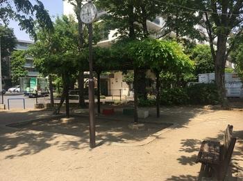 さんかく児童遊園002.jpg