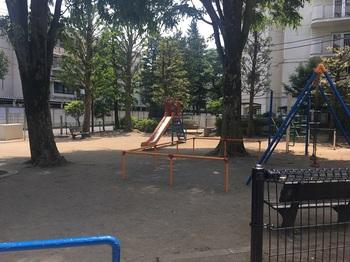 さんかく児童遊園007.jpg