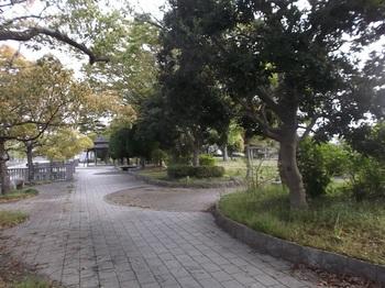 七軒町児童公園001.jpg