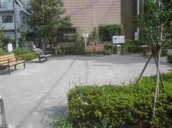 南青山四丁目緑地002.jpg