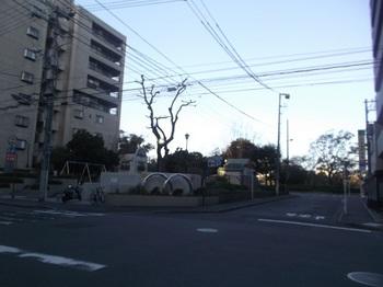大手町第一公園001.jpg