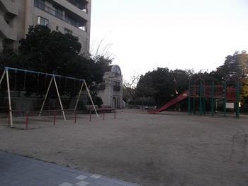 大手町第一公園002.jpg