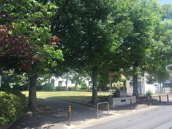 東六月町公園001.jpg